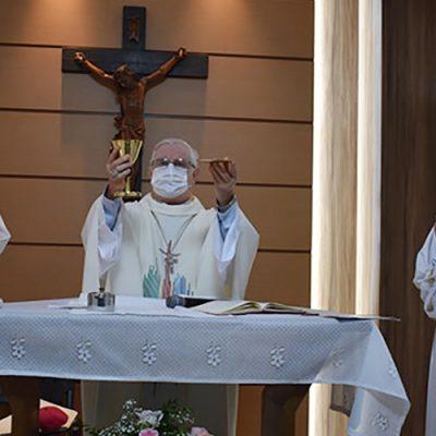 No dia 1º de outubro é comemorado o dia de Santa Teresinha do Menino Jesus