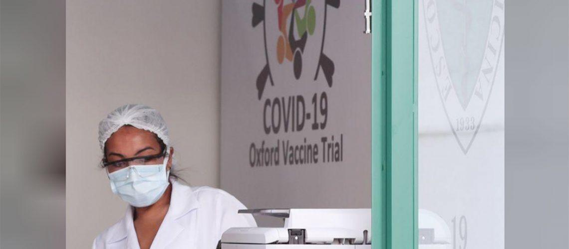 Funcionária da Unifesp em local onde potencial vacina contra Covid-19 está sendo testada/Foto:Amanda Perobelli - Reuters