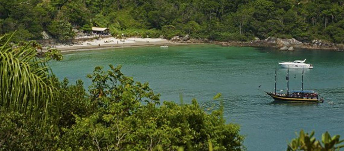 Praia do Estaleiro em Balneário Camboriú/ Foto: Santur