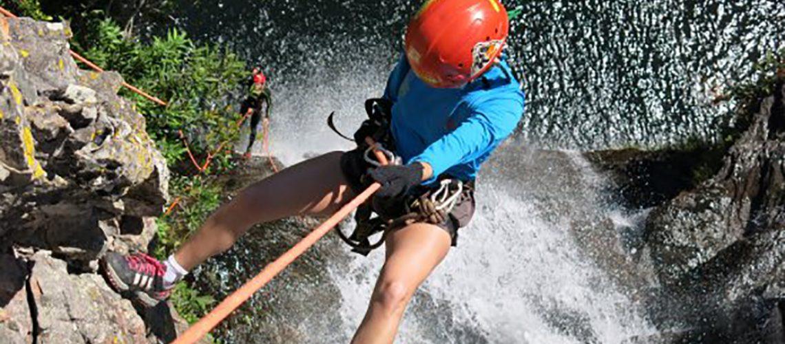 Rapel na Cachoeira Sete Tocas, nas Quedas do Salto Saudades no Rio Chapecó