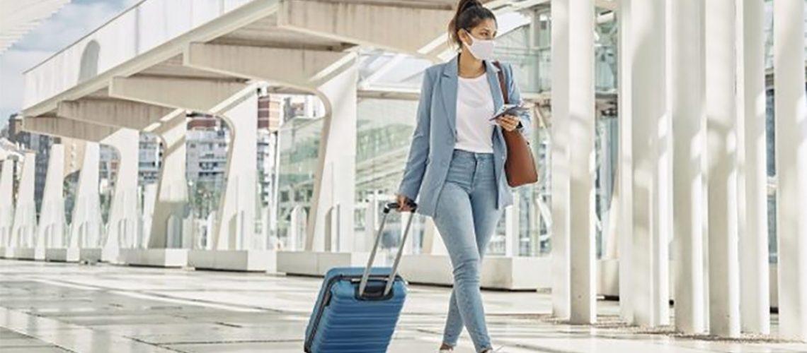Entrar num avião e voar é seguro, o passageiro deve cumprir todos os protocolos de higiene e segurança/Foto: Internet