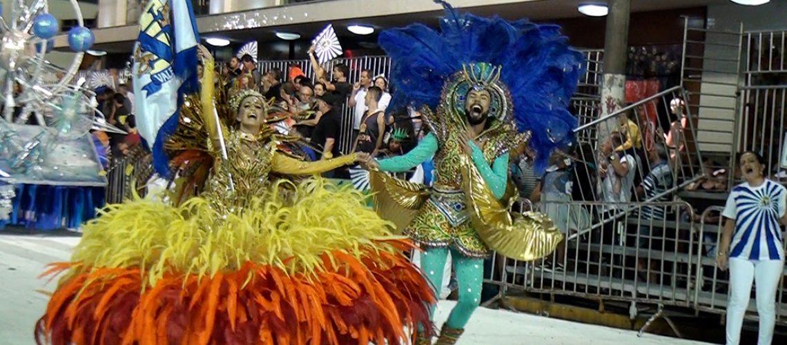 1º Casal de Mestre Sala e Porta Bandeira da Escola Vale Samba/Foto: TV Bom Dia SC