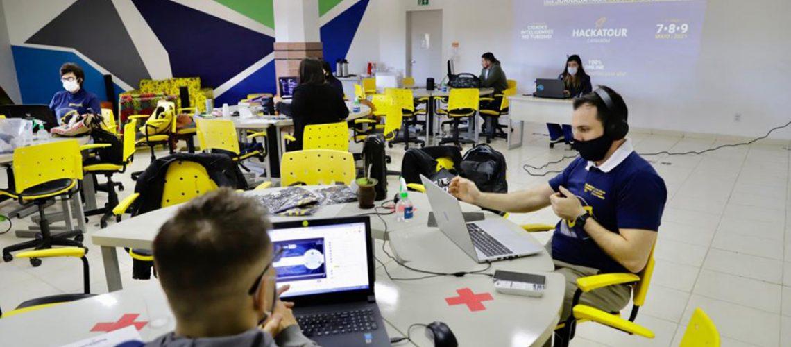 O 6º Hackatour Cataratas contou com 127 inscritos, 17 times formados e 12 projetos avaliados