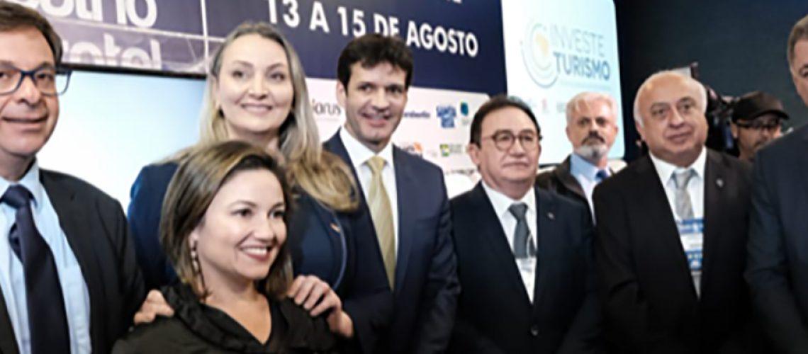 Autoridades na cerimônia de abertura do Encatho/Foto: Mtur