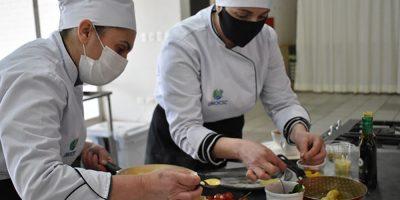 Acadêmicos do curso de Gastronomia da Unoesc testaram os conhecimentos adquiridos ao longo da Graduação
